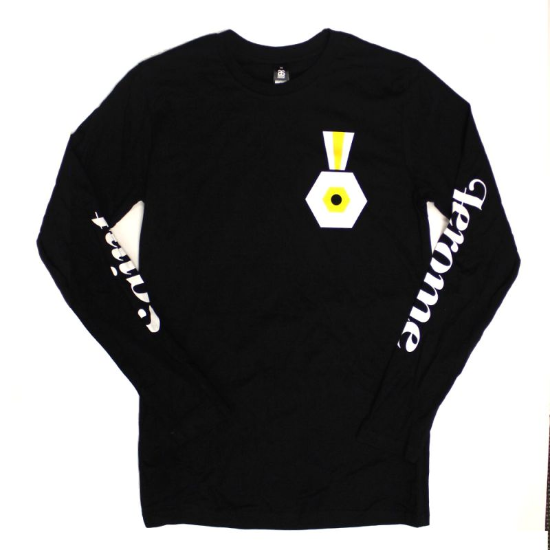 Medal Eye Black Longsleeve